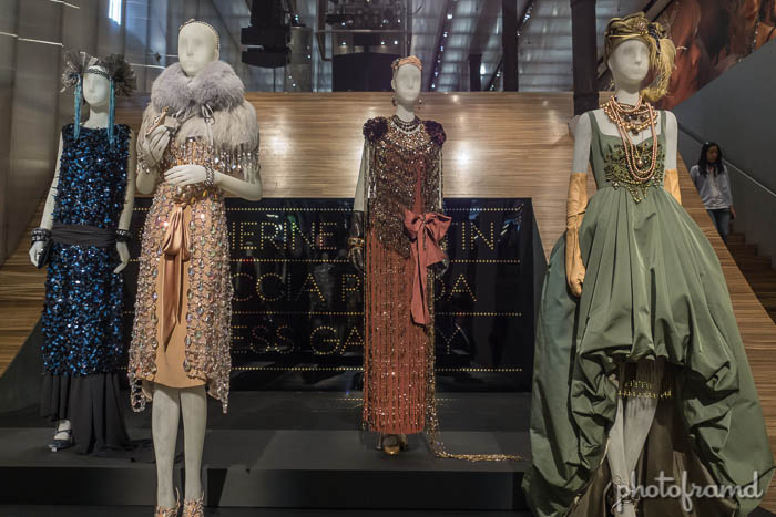 Photos The Great Gatsby Costumes On Display At Prada